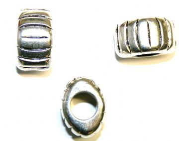 Silver Acrylic Oval Spacer Beads- 7pces- 23mm x 16mm- ACS207